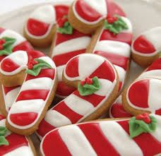 Ideas for cookies christmas candy cane holiday treats Christmas Sugar Cookies, Christmas Sweets, Christmas Cooking, Holiday Cookies, Christmas Candy, Holiday Treats, Holiday Recipes, Christmas Carnival, Christmas Crafts