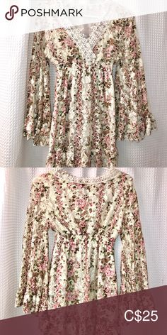 Dress from Japan ! Floral dress I bought in Japan , with wide sleeves and lace trim . Lace Trim, Bell Sleeve Top, Japan, Mini, Floral, Sleeves, Stuff To Buy, Closet, Things To Sell
