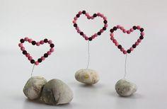 Tolle Deko-Herzen für Dein zu Hause einfach selber machen! In dieser Anleitung lernst Du, wie man ein Deko-Herz basteln kann!