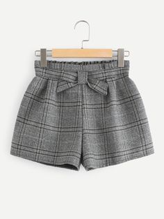 Shop Elastic Waist Plaid Shorts at ROMWE, discover more fashion styles online. Cute Summer Outfits, Short Outfits, Outfits For Teens, Girl Outfits, Short Dresses, Casual Outfits, Cute Outfits, Fashion Outfits, Fashion Shorts