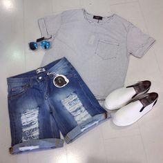 Outfit del giorno  Ultima novità: bermuda strappato @fastmoneywear_  T-shirt in cotone SistersPoint Slippon @police_883  #outfitoftheday #estate #nuoviarrivi #casual #style #SpringSummer #sole #mare #shopping #itgirl #picoftheday #summer #fashionvictim #girls #glamour #cool #love #fastmoney #sisterspoint #police883 #superdry #top #swag #shoponline #biancoenero #BlackandWhite #newcollection #ElementiNettuno