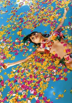 Japanese uber artist Mika Ninagawa (蜷川 実花) is a successful photographer, film… Outdoor Photography, Color Photography, Fashion Photography, Photography Flowers, Japanese Contemporary Art, Japanese Art, Betta, Chinoiserie, Kitsch