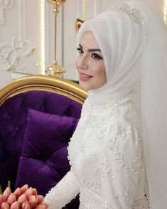 For those who want to look like swans, Pınar şems ikbal Abiye ❣ Price ➡ 885 ₺ You can find … Hijabi Wedding, Wedding Hijab Styles, Muslimah Wedding Dress, Hijab Style Dress, Disney Wedding Dresses, Muslim Brides, Pakistani Wedding Dresses, Wedding Gowns, Muslim Couples