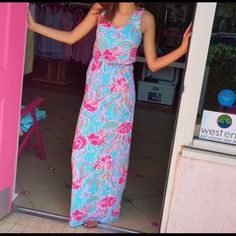 Lilly Pulitzer maxi dress-like new Lilly Pullitzer maxi-jellyfish print. Like new. Worn once. No signs of use. Lilly Pulitzer Dresses Maxi