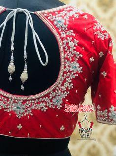 Kurti Patterns, Saree Blouse Patterns, Saree Blouse Designs, Dress Patterns, Mirror Work Blouse, Stylish Blouse Design, Fancy Blouse Designs, Indian Fashion Designers, Elegant