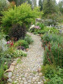 Løvli, livet på landet.: Høst i hagen Beautiful Gardens, Plants, Pictures, Photos, Flora, Plant, Resim, Planting, Clip Art