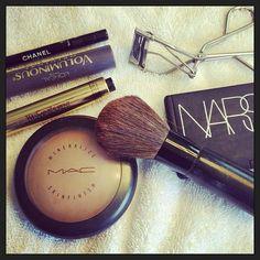 Meghan Markle 5 minute makeup...