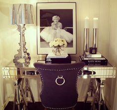 #desk #mirror #marylin #simplicity