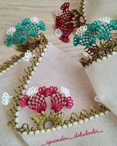 @_ignemden_dokulenler_ #igneoyasi#yazmaoyalari#lale#emek#elişi#dantel#elemeğigöznuru#namazörtüsü#çeyiz#hazırlık#_ignemden_dokulenler_ Needle Lace, Thread Work, Baby Knitting Patterns, Elsa, Diy And Crafts, Coin Purse, Sewing, Crochet, Handmade