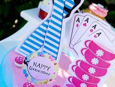 alice-au-pays-des-merveille-disney-comment-aménager-la-salle-festive-joyeux-non-anniversaire
