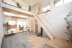 ミニガーデンの作り方 #homify #ホーミファイ #ガーデニング #インテリア #フラワーアート ALTS DESIGN OFFICE の オリジナルな 廊下&階段 Kofunaki House