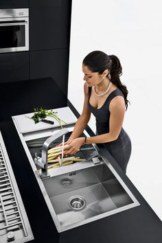 Barazza - Lab double sink, drainer chopping board with Lab Of mixer tap with woman. Zen Kitchen, Kitchen Sink Design, Copper Kitchen Decor, Luxury Kitchen Design, Diy Kitchen Decor, Bathroom Design Luxury, Kitchen Interior, Kitchen Cooker, Kitchen Stove