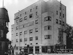 Holt Renfrew & Co. under construction, Sherbrooke St., Montreal, QC, 1937 | par Musée McCord Museum