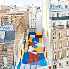 Parisian art direction platform @illstudio designs a 480 square meter basketball court in celebration of @pigalle_ashpool's latest collection. #pigalleduperre