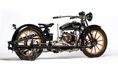 1915 Militaire Model 2 with training wheels The 4 cylinder MILITAIRE was produced from 1913 until 1917 by the Militaire Auto Company of Buffalo New York. Its four cylinder ( inlet over exhaust) 68 cu. in
