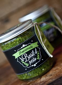 Homemade Basil Pesto Labels, Tags & Recipe by SunshineParties on .such a beautiful gift idea Gift Labels, Jar Labels, Chalk Labels, Diy Food Gifts, Homemade Gifts, Jar Packaging, Pretty Packaging, Basil Pesto Recipes, Christmas Gift Tags