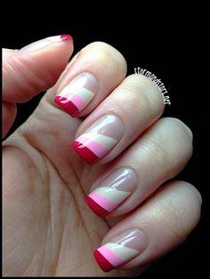 Uñas con puntas rosas