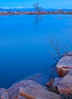 ✮ St. Vrain State Park north of Denver, Colorado before sunrise