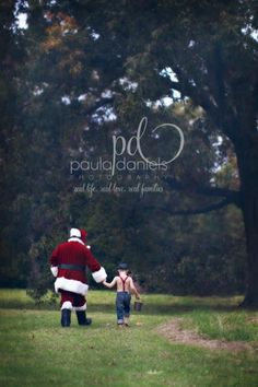 Family Christmas Pictures, Santa Pictures, Holiday Photos, Christmas Picture Background, Christmas Photo Cards, Christmas Pics, Photography Mini Sessions, Christmas Photography, Outdoor Santa