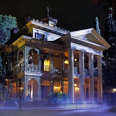 Haunted Mansion, Disneyland