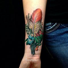 #botanicaltattoo #flowertattoo #floraltattoo #naturetattoo #birdtattoo #feathertattoo #carahanson @caramassacre