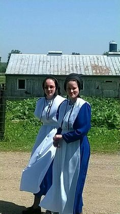 Return To Amish, Amish Family, Amish Culture, Amish Community, Plain Dress, Amish Country, 10 Picture, Home And Away, Country Kitchen