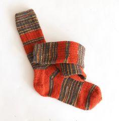 Free Knitting Pattern: Striped Ribbed Socks