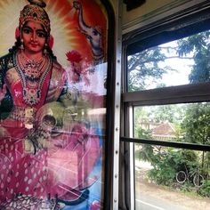 Back up. On the coast road between Polhena and Galle. #srilanka #travel #transport #bus #buddhist #ritual #bicycle #wayfairer #way_fairer