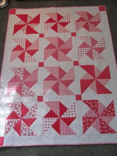 pinwheel quilt pattern | Quilting Is My Therapy Pretty Pink Pinwheels » Quilting Is My Therapy