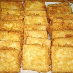 Rántott tejbegríz recept Cornbread, Ethnic Recipes, Food, Millet Bread, Essen, Yemek, Meals