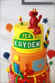 Awesome Elmo cake, love the colors