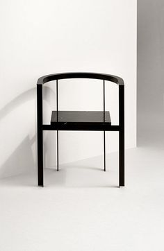 Chaise-noire-laquee