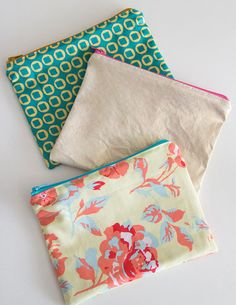 Diy Sewing Projects Cute Assortment - How to Sew a Zipper Pouch - 15 minute sewing project - Melly Sews - Written plus video tutorial shows you how to sew a zipper pouch - great practice for zippers and fun and quick gifts to make Diy Sewing Projects, Sewing Projects For Beginners, Sewing Hacks, Sewing Tutorials, Sewing Crafts, Sewing Tips, Sewing Ideas, Tutorial Sewing, Bag Tutorials