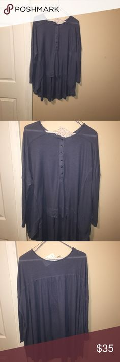 Free people top Great oversized flowy top. Hi-low front. NWT in size xs Free People Tops Blouses