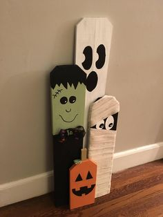 Fall Wood Crafts, Halloween Wood Crafts, Outdoor Halloween, Halloween Kostüm, Halloween Signs, Halloween Projects, Diy Halloween Decorations, Holidays Halloween, Holiday Crafts