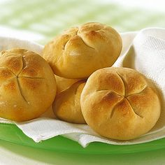 Brötchen- Rezept für den Brotbackautomat Rezept | Küchengötter Bread Machine Recipes, Wrap Sandwiches, Bread Baking, Yummy Food, Yummy Recipes, Cooking, Desserts, Breads, Muffin