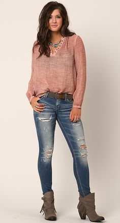 Best of intentions - women's outfits buckle get in my closet Cute Outfits With Jeans, Outfits For Teens, Trendy Outfits, Buckle Outfits, American Eagle Outfits, Fall Winter Outfits, Winter Clothes, T Shirts For Women, Clothes For Women