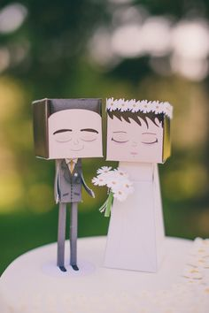 Rock-Paper-Cake Topers!! Creative #weddingcaketoppers by Paperlovetoys - Inês Leite Rosa​
