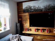 Wandverbau aus original sonnenverbranntem Altholz! #woodworking #woodwork #woodart #holzkunststeger #holzkunst #steger #altholz #sonnenverbrannt #oldwood #sunburned #idee #tischler #wandverbau #schalung #interior #design #interiordesign #altholzidee #wohnzimmer Interiordesign, Home Decor, Carpenter, Wood Art, Building Homes, Interior, Boden, Living Room, Decoration Home