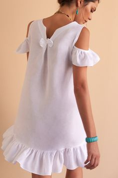 The prettiest white linen mini dress for your summer holidays, pair with your slides or espadrilles. Fácil Blanco is proudly designed and tailored in Dubai from Italian linen. Simple Dresses, Casual Dresses, Dress Outfits, Fashion Dresses, Maxi Dresses, Short Beach Dresses, White Linen Dresses, Cream Dresses, African Fashion