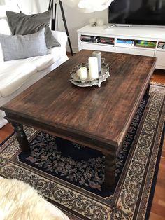 Sofabord, andet materiale, b: 90 l: 135 h: 51, Stort sofabord i massiv indonesisk træ (farven på træet hedder det). Brugsspor men ellers pænt!