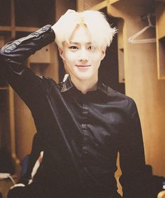 blonde suho has my attention!