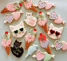 Kitty Jubilee ~ adorable sugar cookies by thumb and cakes