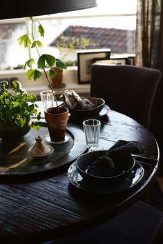 Söndag och duka fint Tablescapes, Table Settings, Victoria, Interiors, Decor, Caipirinha, Decoration, Table Scapes, Place Settings
