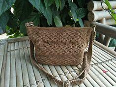 Crochet bag handmade by anis