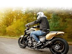 2013 Yamaha VMAX Hyper-Modified by Marcus Walz #motorcycle