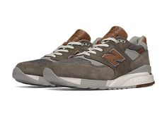 Our Distinct Collection elevates your favorite retro New Balance sneakers with quality materials and a focus on rich Howreen® leather accents. We source materials from the USA and craft these styles in our Maine factories.