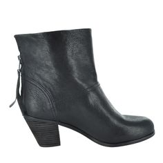 These booties from @SamEdelman are perfect for any outfit this fall