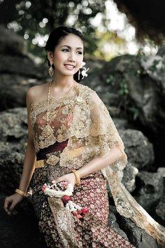 5วิธี ใส่ชุดไทยอย่างไรให้เป๊ะ   Happywedding.life