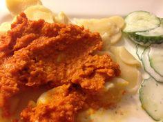 Das Möhrenpesto passt hervorragend zu selbstgemachter Pasta :) Und das Beste: Kaltschmeckt es als Aufstrich auf Brot richtig lecker.